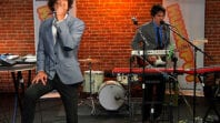 """Das Tapes – """"Neon Boots"""" (LIVE)"""