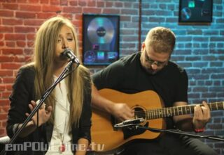 "Lissa Lauria – ""Bridges Burn"" (LIVE)"